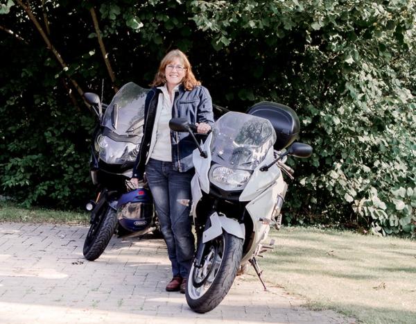Hels with bike